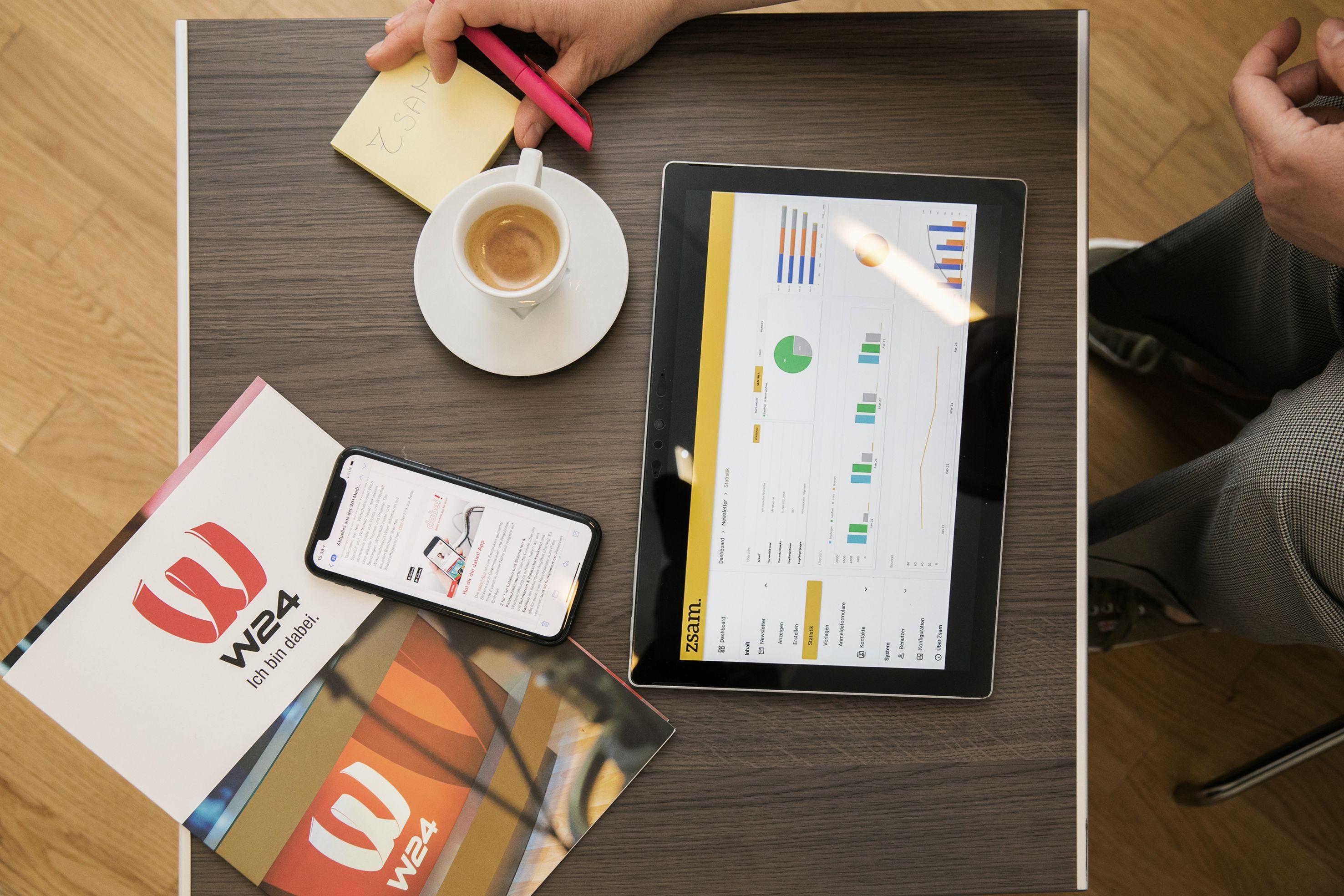 zsam Newsletter auf Tablet und Handy